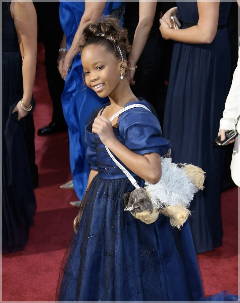 Quvenzhane-Wallis-at-Oscars-red-carpet