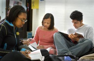 STUDENTS_STUDYING