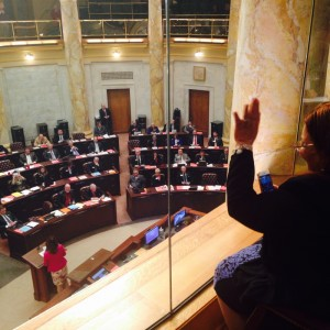 Alveda waves to legislators